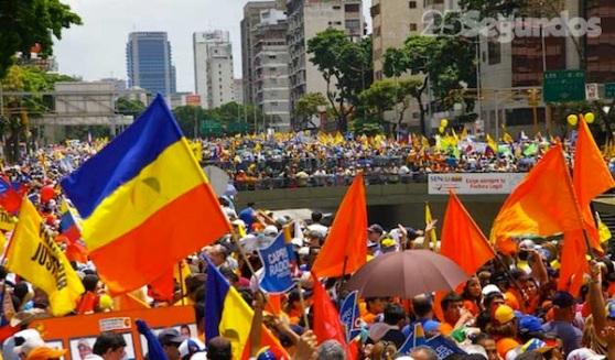 http://homemculto.files.wordpress.com/2012/06/marcha-oposiccca7acc83o-venezuela2.jpg