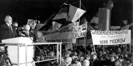 EAST GERMANY HELMUT KOHL