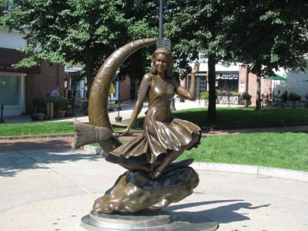 a-bewitched-statue
