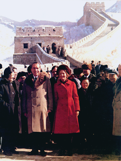 400px-President_Richard_and_Pat_Nixon_on_Great_Wall